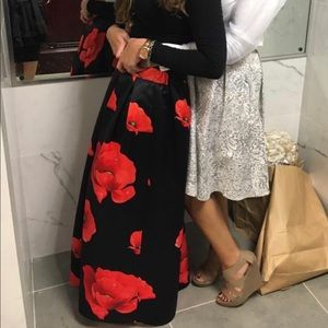 Skirts - Red floral print ball gown skirt